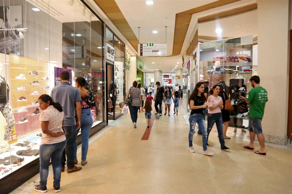 Shopping da cidade vai virar a madrugada aberto de quinta para sexta - Royal Plaza Shopping