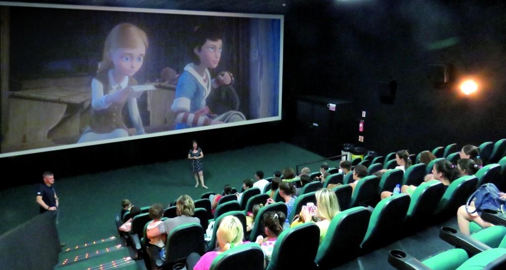 Sessão de cinema para acolher - Royal Plaza Shopping