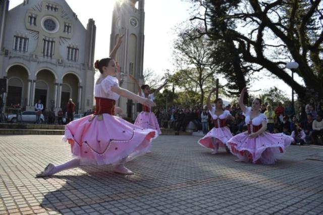 Evento concentra as atrações turísticas de 33 cidades da região - Royal Plaza Shopping