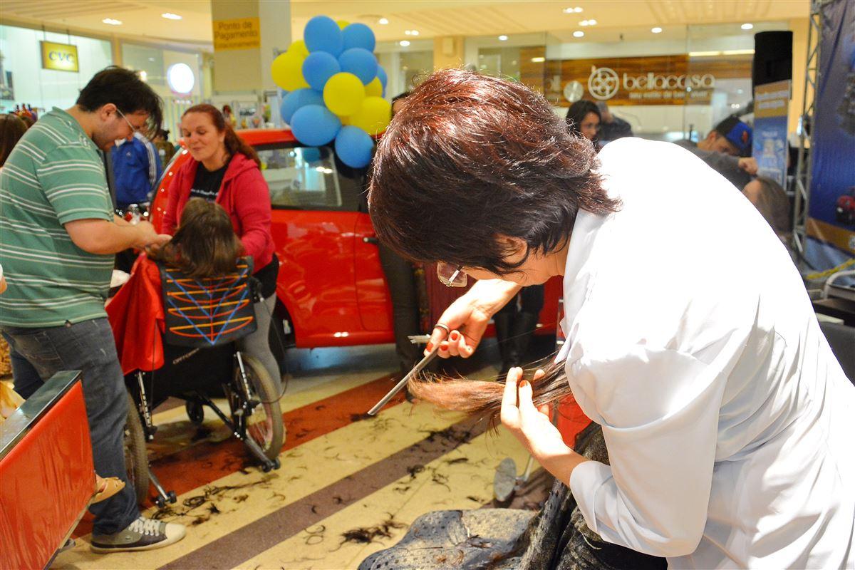 Projeto vai arrecadar cabelo para confecção de perucas em Santa Maria - Royal Plaza Shopping