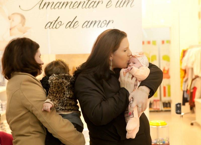Campanha sobre aleitamento materno acontece no Royal - Royal Plaza Shopping