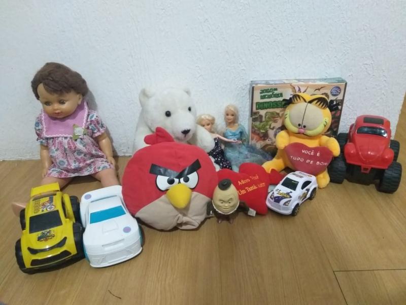Entrega de brinquedos arrecadados no Passaporte da Diversão - Royal Plaza Shopping