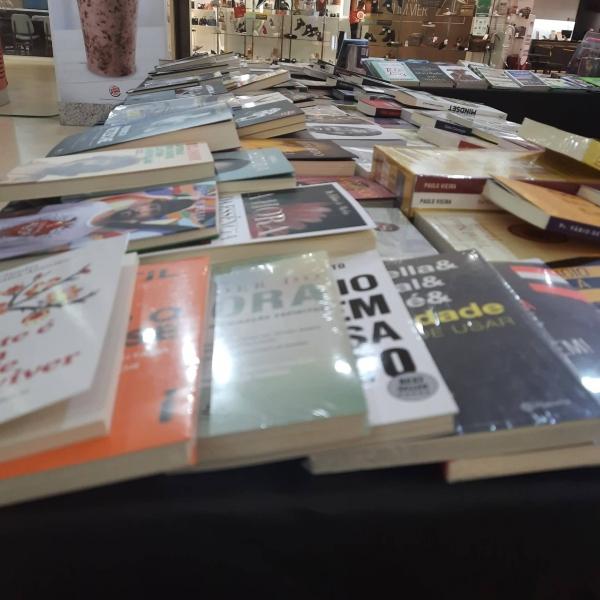 Feira Literária Corvus - Royal Plaza Shopping